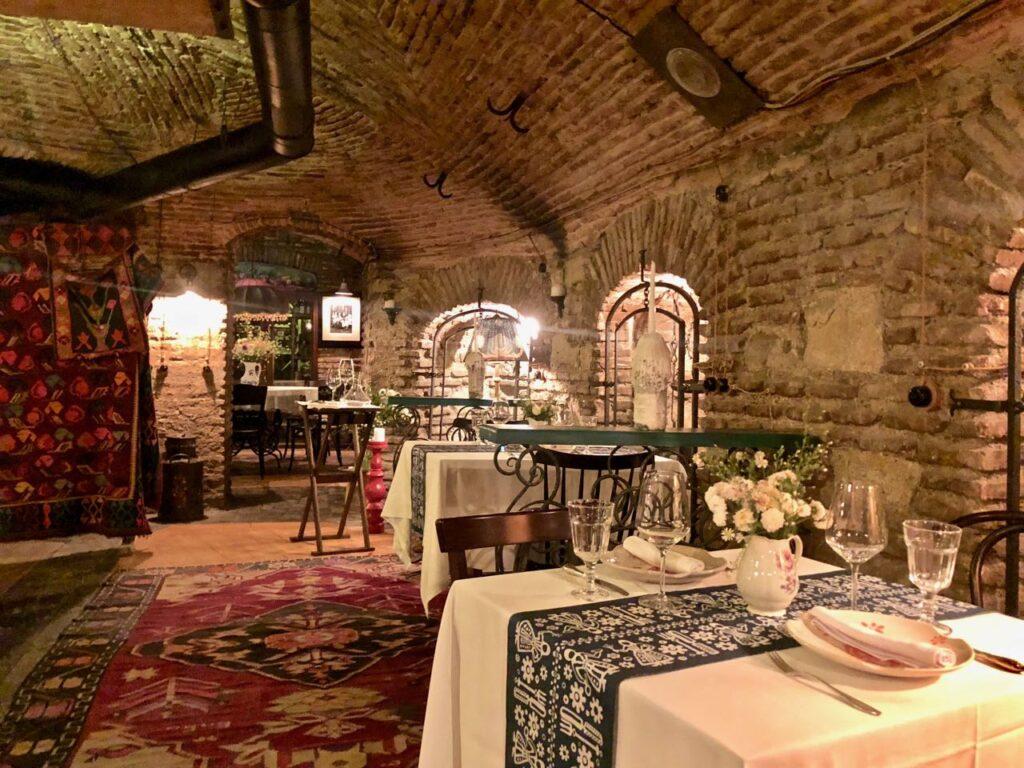 быстрого, очень г тбилиси ресторан фаэтон фото месяц лета благоприятен
